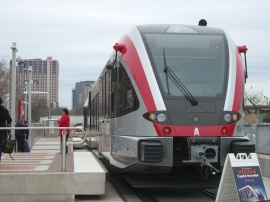 For more pictures of the new MetroRail trains & Plaza Saltillo, click the photo.